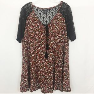 Torrid Floral & Embroidered Lace Tunic Blouse